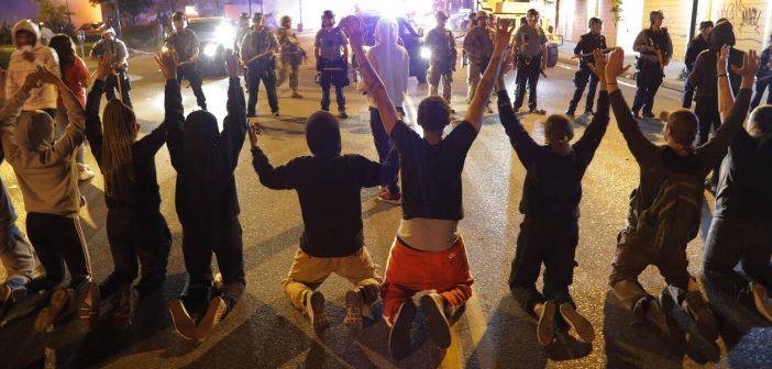 Το 64% των Αμερικανών συμφωνεί με τις διαδηλώσεις