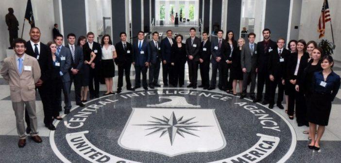 Πράκτορες της CIA αποκαλύπτουν το μυστικό για να αναγνωρίσουμε τον ψεύτη μέσα σε μια σχέση!